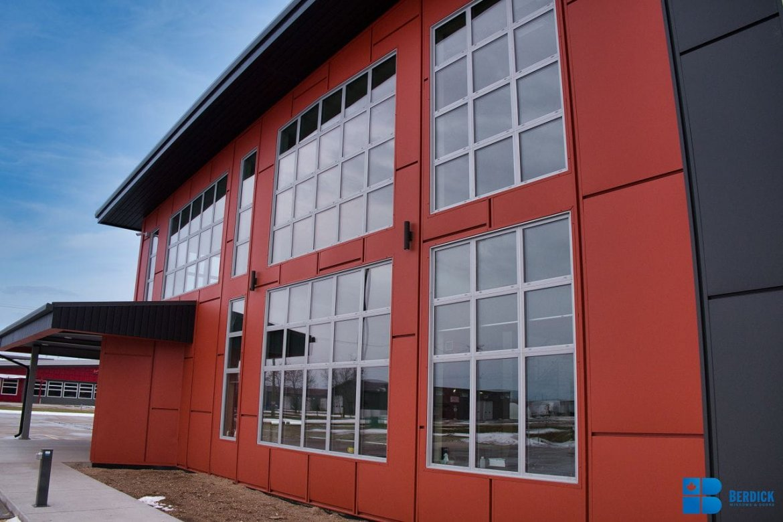 k-Fiberglass_Windows_Manitoba_Steeltech_5